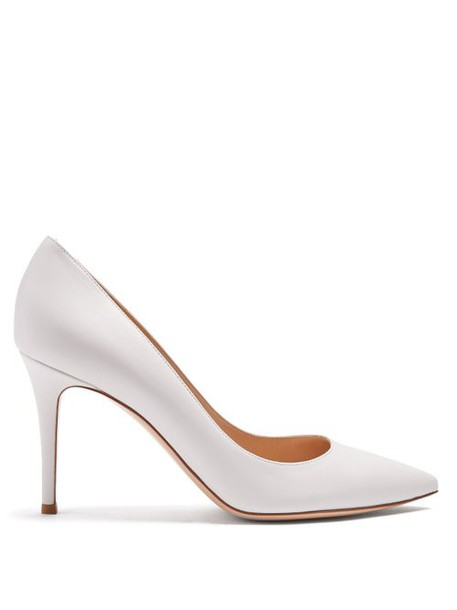Gianvito Rossi - Gianvito 85 Point Toe Leather Pumps - Womens - White