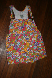 shorts,overalls,shortall,90s grunge,floral print overalls