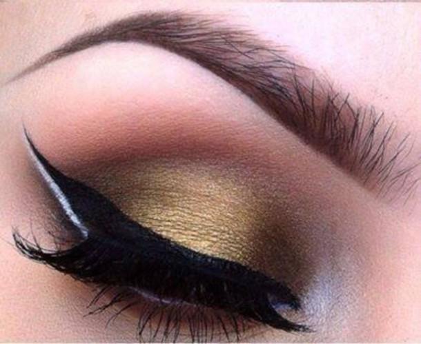 make-up gold eyeshadow