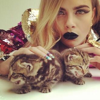 jewels make-up model nails nails art fashion kittens kitty cats gold animal cara delevingne lipstick sequins nail polish