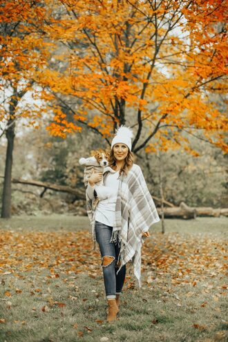 stephanie sterjovski - life + style blogger top hat shoes fall outfits beanie ankle boots pom pom beanie
