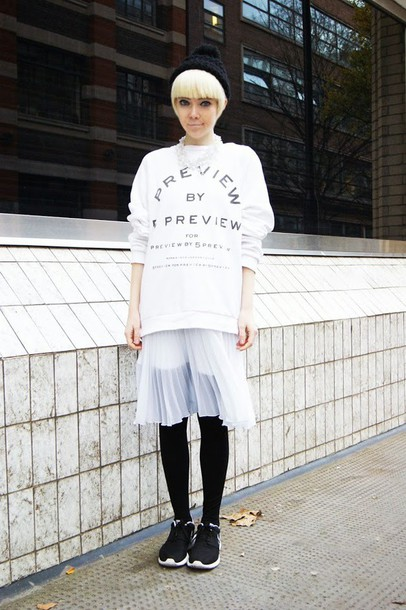 61906287c1 stella's wardrobe, blogger, sweater, pom pom beanie, pleated skirt ...