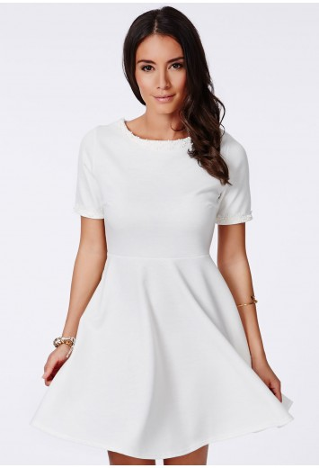 Missguided - Kreta White Crochet Daisy Trim Skater Dress