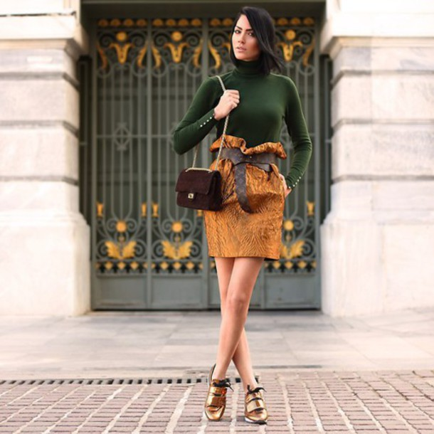 skirt gold green trendy sexy summer outfit clutch flats pumps bow
