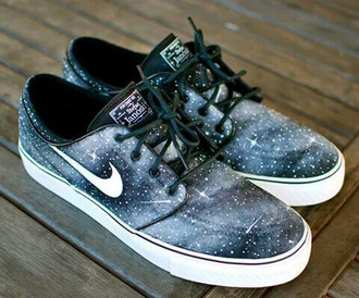 shoes sneakers nike nike running shoes nike shoes nike sb galaxy print galaxy nikes galaxy sneakers