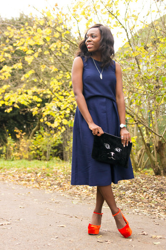 i want you to know blogger wedge sandals navy midi dress cats pouch
