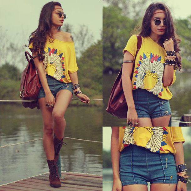 t-shirt bag indian jeans shorts leather bag brasletes glasses lennon shades hippie shoes clothes blouse