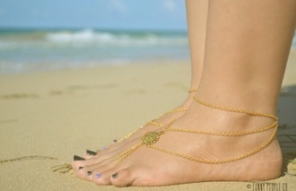 jewels anklet gold gold anklet braclet chain coin charm gold charm jewllery beach summer shoes feet sea surf tan nail polish