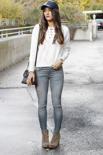 seekingsunshine blogger hat sweater jeans shoes jewels make-up grey jeans cap leather cap ankle boots fall outfits lace up jumper