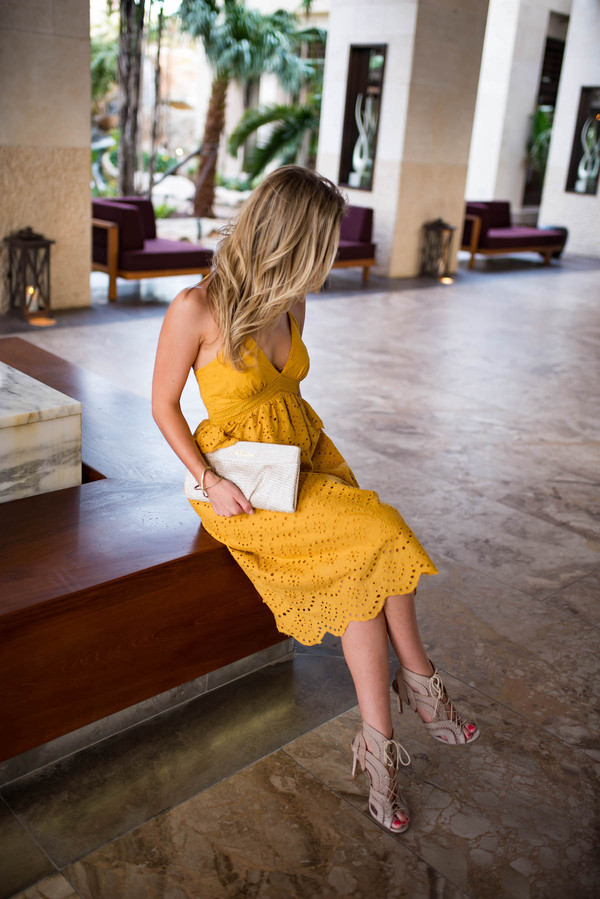 katie's bliss - a personal style blog based in nyc blogger dress bag shoes jewels sunglasses sandals yellow dress clutch spring outfits