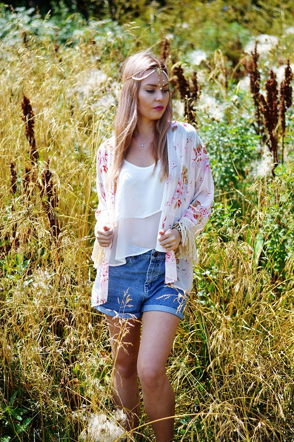 top cami top kimono streetstyle stylemoi summer outfits hair crown