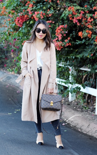 posh classy mom – a lifestyle blog by sheree blogger tank top coat jeans fall outfits louis vuitton bag trench coat