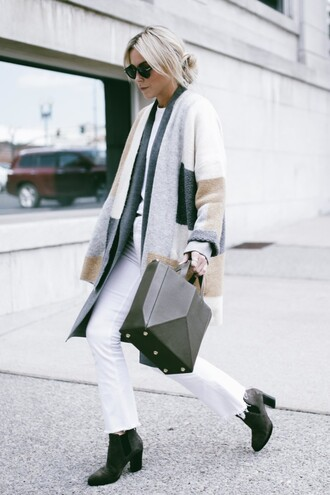 coat tumblr bag black bag handbag jeans white jeans frayed denim boots black boots high heels boots fall outfits t-shirt white t-shirt sunglasses minimalist bag printed cardigan printed oversized coat theclosetheroes blogger cardigan shoes sweater pants shirt scarf skirt