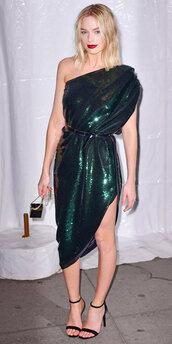 dress,asymmetrical,one shoulder,margot robbie,metallic,sandals,shoes
