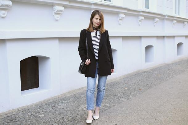 kapuczina blogger jacket bag jewels scarf jeans shoes blouse belt black jacket blazer shoulder bag pumps