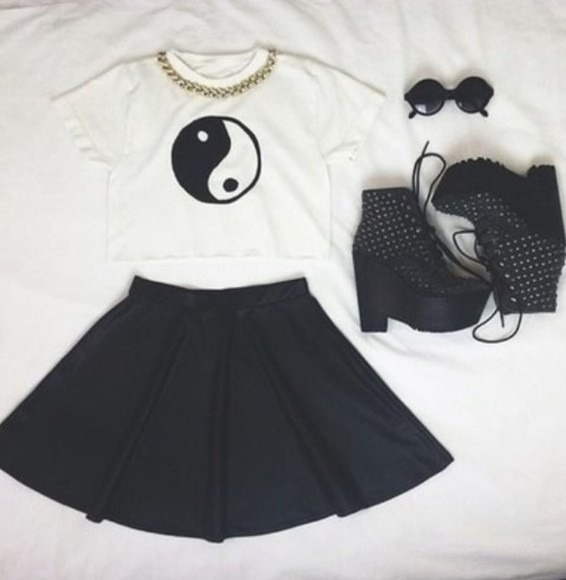 blouse white crop top black skater skirt solid black litas gold chain crop tops ying yang, cute, tank, top, jeffery campbell