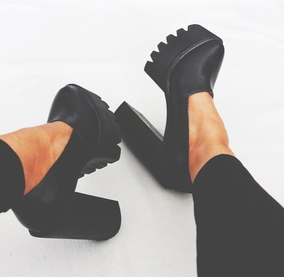 shoes platform shoes black high heels heels fashion glam cute cleated sole