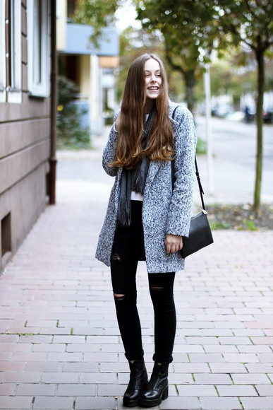 scarf blogger my time is now knitted cardigan
