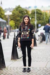 sweatshirt,black sweater,embroidered,floral sweater,floral sweatshirt,fall outfits