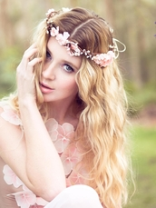 hair accessory,accessories,hipster wedding,bridesmaid,flower crown,prom beauty,wedding hairstyles,romantic