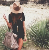 hat,t-shirt,kylie jenner,beige hat,bag,brown,black,dress,jewelry,pants,shorts,top,summer,girl,white,beige,beautiful bags,needles,giveme,beautiful,fashion,wow,wowowowow,classy,amazing,elegant,bigbag