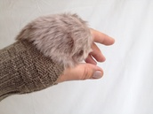 gloves,fingerless,mittens,knit,trendy,fur,fashion,knitwear,winter outfits,2014/2015,christmas,camel