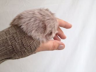 gloves fingerless mittens knit trendy fur fashion knitwear winter outfits 2014/2015 christmas camel