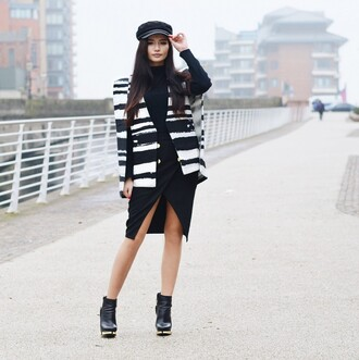 lolita mas blogger skirt fisherman cap cape black skirt turtleneck black boots jacket sweater shoes