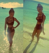 swimwear,red,burgundy,two-piece,Pin up,cute,bikini,high waisted bikini,bra top
