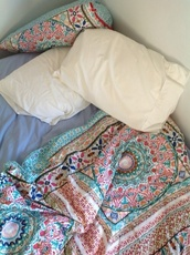 bedroom,bedding,paisley,mandala,boho,boho decor,multicolor,pattern,lazy day