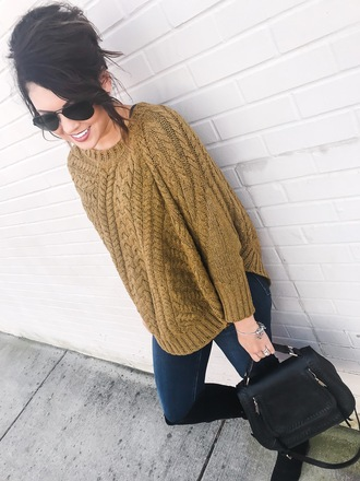 life & messy hair blogger shoes bag sunglasses jewels fall outfits knitted sweater boots black boots