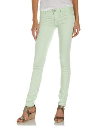 Classic skinny jeans, fresh mint
