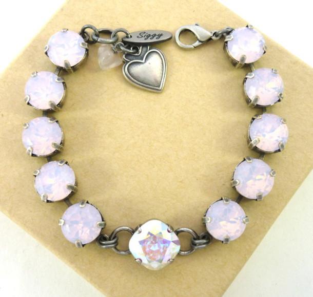 530b137c27408 Jewels, $52 at etsy.com - Wheretoget