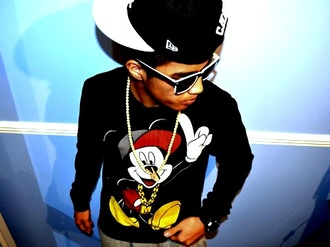 sweater sweatshirt mickey mouse gold gold chain jewelry black and white glasses snapback swag jewels menswear