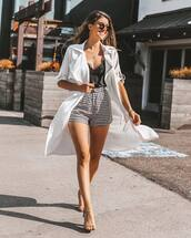 shorts,black top,black and whte,checkered,necklace,sandals,sunglasses