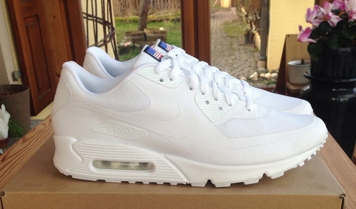 New Mens Nike Air Max 90 Hyperfuse White UK 9,5 USA