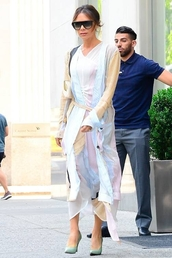 dress,midi dress,victoria beckham,pumps,shirt,shirt dress,tunic,spring outfits,celebrity,work outfits