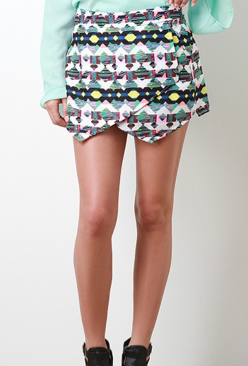 "Chic ""lesson in geometry"" skort shorts – glamzelle"