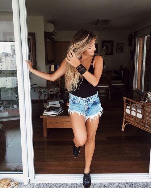 shoes blouse shorts
