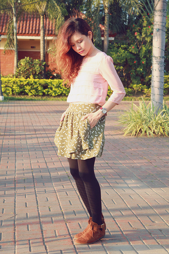 love chic blogger skirt pink blouse suede shoes
