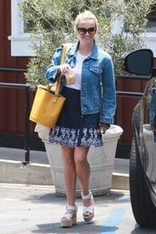 skirt,reese witherspoon,summer outfits,wedge sandals,bag,sunglasses,denim jacket,denim,mini skirt,yellow bag,summer skirt