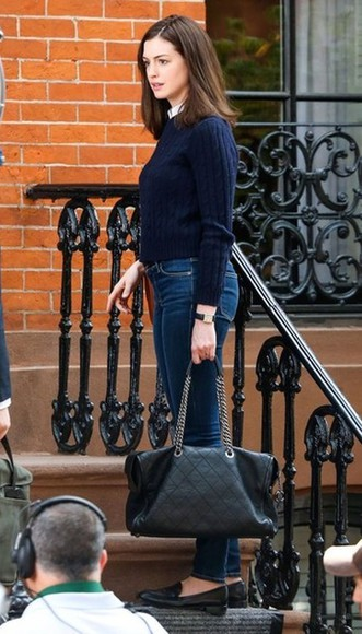 anne hathaway jeans fall outfits