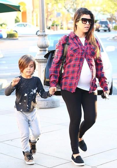 kourtney kardashian sunglasses maternity bag shirt shoes leggings
