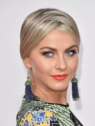 hair accessory hair hairstyles zigzag earrings amas 2015 julianne hough