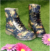 shoes,floral shoes,combat boots,boots,jellies,jelly boots,wellies,rainboots,floral rainboots,hipster,hipster shoes,hipster boots,rain,flowers,girly,hippie,boho,shoes winter,roses