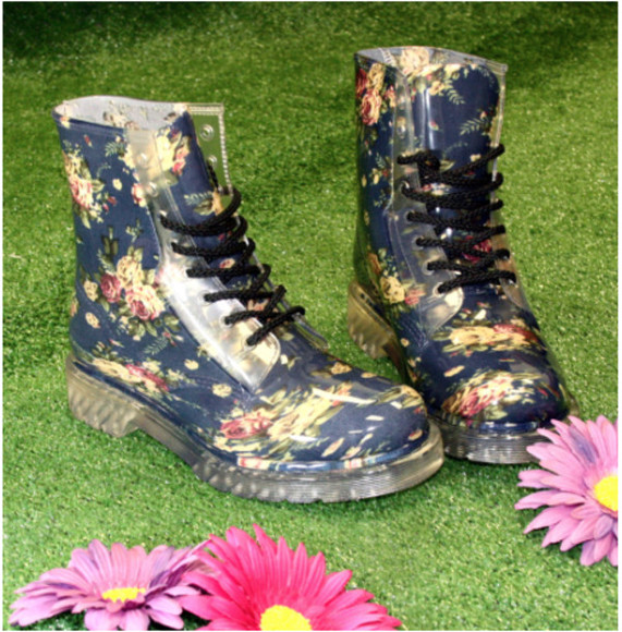 shoes boots combat boots hipster floral shoes jelly shoes jelly boots rain boots rainboots floral rainboots hipster shoes hipster boots rain flower girly hippie boho