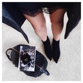 shoes,pointed toe,booties,boots,heels