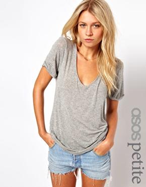 ASOS Petite | ASOS PETITE – New Forever – T-Shirt bei ASOS