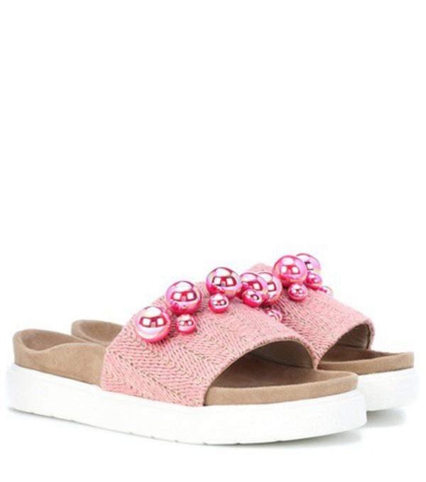 Inuikii Raffia Pearl slides in pink