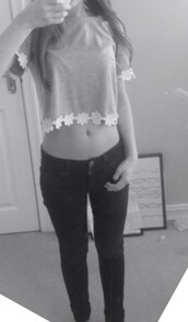 top,grey,flowers,crop tops,earphones